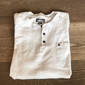Kenneth Cole Light Blue T-Shirt. Size Large.